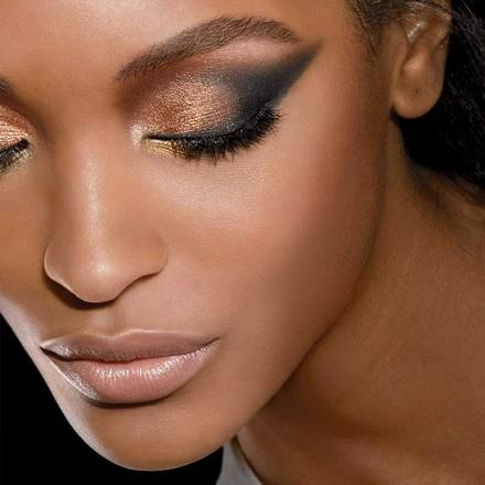 nude-eyeshadow-palette-jourdan-beautyimage-1x1